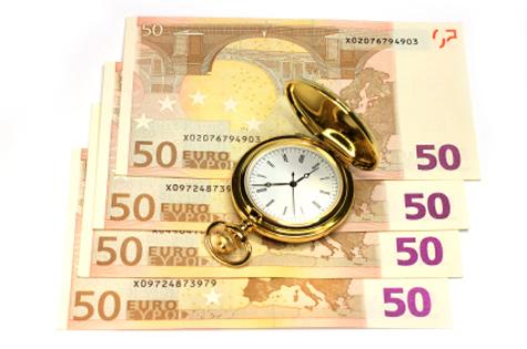 Doscientos euros y un reloj de bolsillo
